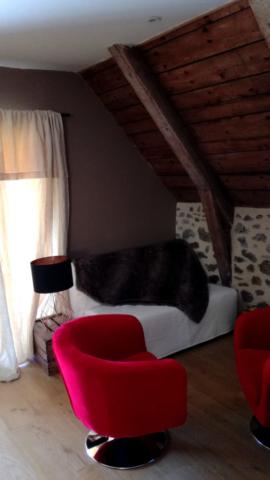 salon; fauteuil; velours; rouge;clic clac